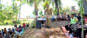 SAMBUTAN: Wakil Bupati KLU, Sarifudin, SH saat menyampaikan sambutan dalam acara adat taeq lauq Gunung Kayangan Kecamatan Kayangan, Senin (22/8). (HUMAS KLU FOR RADARLOMBOK)